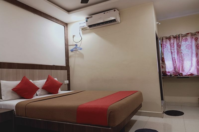 Hotel Neem Tree- Deluxe AC Room
