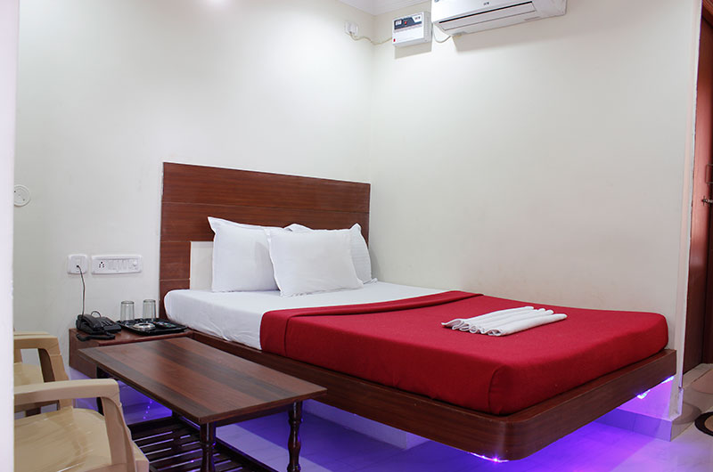 Hotel Neem Tree- Deluxe AC Room-2