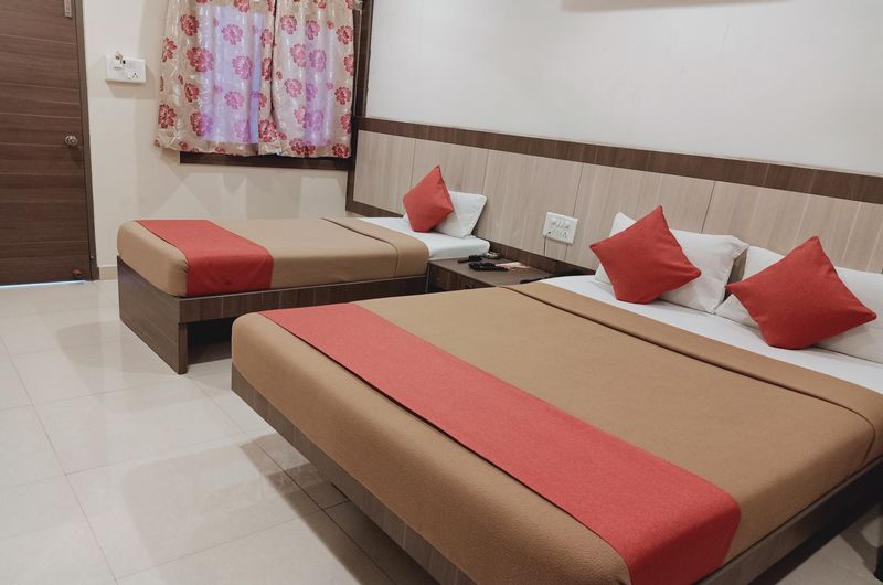 Hotel Neem Tree- Triple Bed Non AC Room