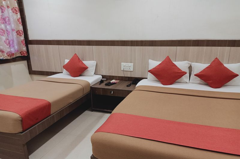 Hotel Neem Tree- Triple Bed Non AC-2