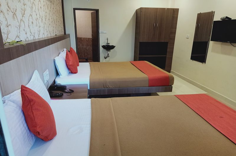 Hotel Neem Tree- Triple Bed Non AC-6